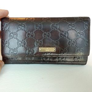 Gucci Guccissima wallet in dark purple